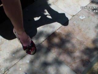 प्लेटफार्मों सैंडल सेक्सी पैर और पैरों wedges