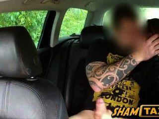 गर्म चेक बेब scammed और टैक्सी ड्राइवर द्वारा कठिन गड़बड़