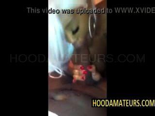 kakey सेलफोन वीडियो पर मुर्गा चूसने
