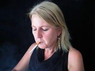धूम्रपान क्लाउडिया