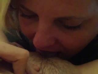 शौकिया समलैंगिक चाट बिल्ली