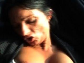 सह शॉट के साथ कार में सेक्स