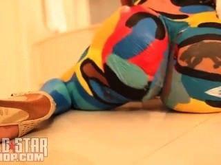 ट्रैविस को Cubana वासना शरीर के रंग नृत्य एकल Ayy महिलाओं कुली