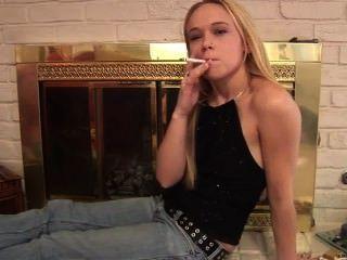 धूम्रपान बुत 47