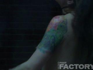 एथेना Fatale और रयान Keely शॉवर में (lesbo अनुक्रम)