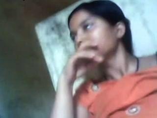 पाकिस्तानी लड़की स्तन BF द्वारा चूसा
