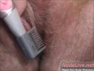 बहुत गर्म शौकिया गोरा किशोरों shaves और बेट्स वेबकैम पर