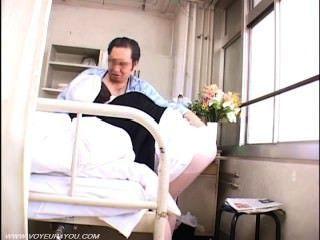 नर्स के साथ पुराने रोगी दृश्यरतिक सेक्स