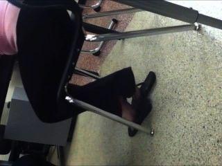 फ्लिप फ्लॉप में Shoeplay