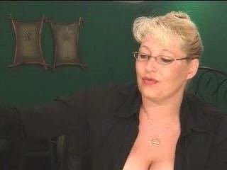 पागल विशाल सिगार और बड़े परिपक्व स्तन!