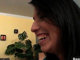सेक्सी श्यामला बेब में बात करती है उसकी प्रेमिका part6