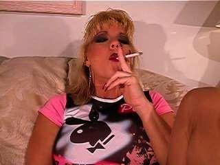 stockings2 में धूम्रपान