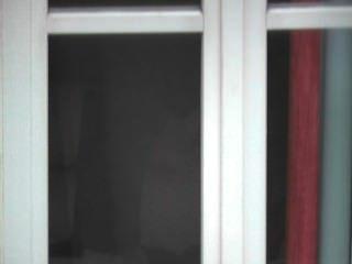 पुरुष के पीछे का प्रदर्शन करते पकड़ा खिड़की का अनावरण वह cums तक