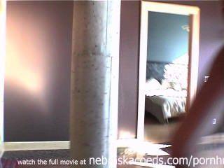 नग्न पूर्व प्रेमिका हमारे घर घर वीडियो चारों ओर लटके