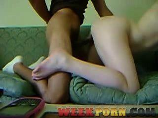 सोफे पर कमबख्त