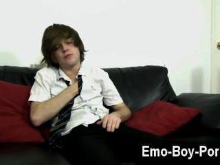 कमाल है समलैंगिक दृश्य गर्म भावनाएं लड़का टायलर तीरंदाजों हमें उसका पूरा ध्यान देता है