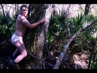 मेरे डायपर में फ्लोरिडा में एक पेड़ ले रहा