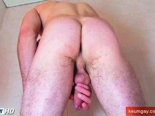 ह्यू मुर्गा के साथ एक बहुत ही सेक्सी str8 आदमी के साथ एक शॉवर ले जा!