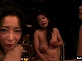 गर्म जापानी समलैंगिक त्रिगुट