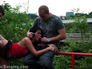 श्यामला भाग 3 के साथ जोखिम भरा सार्वजनिक सेक्स नंगा नाच