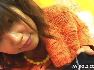 निविदा एशियाई बेब Rika Hayama मुश्किल बिना सेंसर चोरी हो जाता है