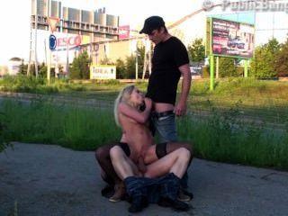 सुंदर गोरा सड़क सार्वजनिक समूह सेक्स गैंगबैंग नंगा नाच भाग 3
