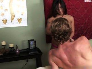 बड़े स्तन पत्नी सजा
