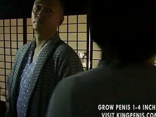 गृहिणी crotch कई बार खोलने के लिए