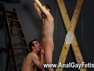 सेक्सी समलैंगिक और उस के लिए आप की तरह एक वास्तविक चिलचिलाती दबंग दोस्त की जरूरत है