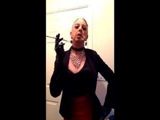 मेरे परिपक्व बहिन होमोसेक्सुअल धूम्रपान