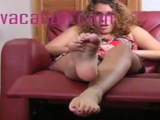 उसे सही पैर दिखा रहा है के रूप में यह चढ़ाव और हिस्सों