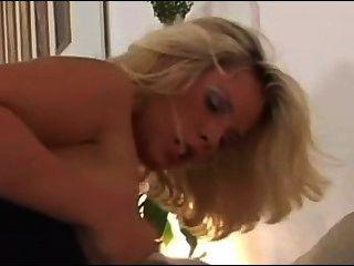 काला और गोरा सेक्स 1bombshell कार्य करता है (सोफिया के रूप में)