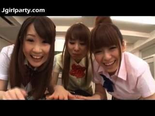 जापानी किशोर स्कूली 492,477