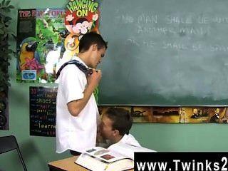 डस्टिन revees और लियो पेज के समलैंगिक क्लिप दो स्कूली बच्चों में फंस रहे हैं