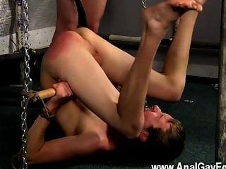समलैंगिक सेक्स क्या एक मोहक नज़र जोश हवा में अपने culo और उसके साथ है