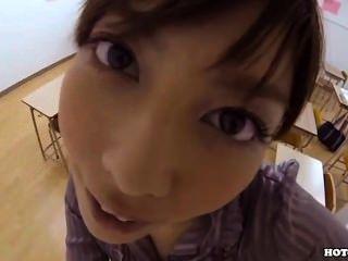 जापानी लड़कियों के बिस्तर room.avi में मोहित cowgirl लुभाने