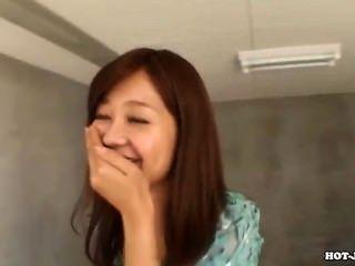 जापानी लड़कियों subway.avi पर लुभाने jav मां