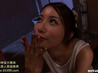 जापानी लड़कियों के बिस्तर room.avi में मोहक परिपक्व महिला गड़बड़