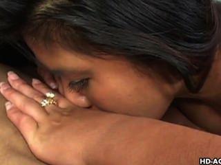 सेक्सी बेब एशिया और उसकी प्रेमिका एक-दूसरे धमाके