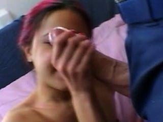 पड़ोसी लड़की में पर सह - किट्टी युंग