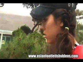 एशियाई पैर पूजा
