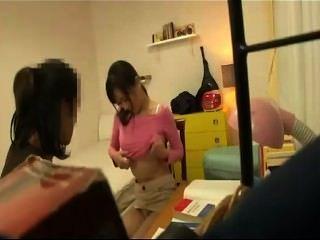 जापान पैंट नहीं पहनती अनेक महिला-विक्रेता