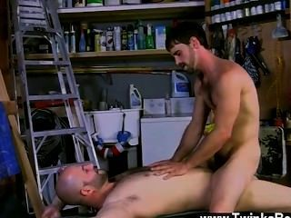समलैंगिक नंगा नाच गर्म भार वह सब उस पर हो जाता है, और Jummy बाहर की जाँच