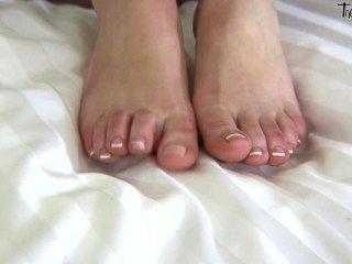 एक्सा जम्मू के साथ बंद फैंसी पैर शो