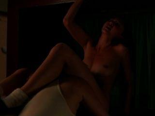 गर्म जेल समलैंगिक दृश्य में नाले के रूप में soso किमिको ग्लेन